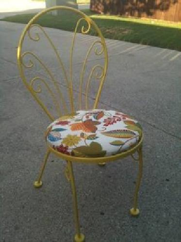100 4 Vintage Metal Chairs - Dining or Outdoor for Sale in Carrollton