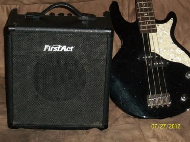 100 firstact bass guitar and amp 100 southside of des moines ia for sale in des moines. Black Bedroom Furniture Sets. Home Design Ideas