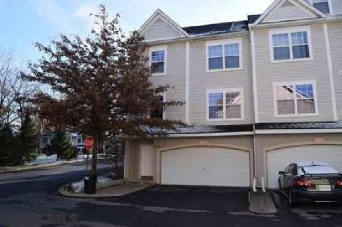 100 Kenley Court State College Three BR, Condo convenience & easy