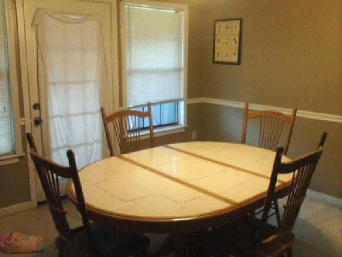 100 Oakwood Diningroom Table With 4 Chairs For Sale In North Charleston South Carolina