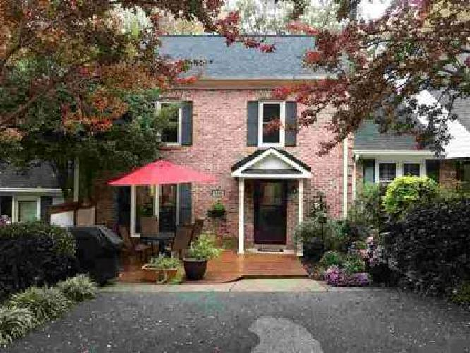 104 Grist Mill Terrace Spartanburg Three BR, immaculate townhouse