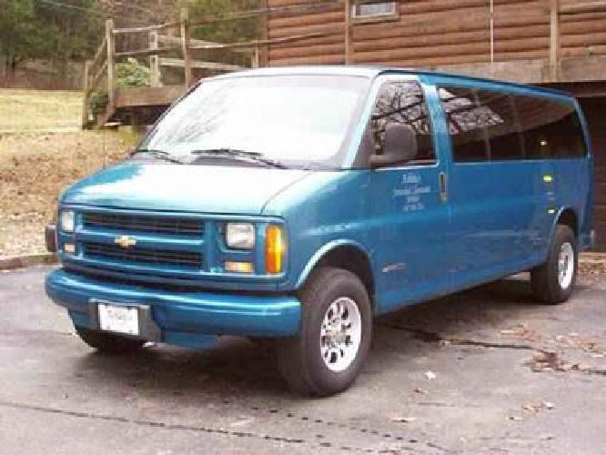 10 000 1998 Chevy 15 Pass Express Van With 40 000 Miles