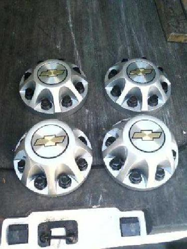 $10 09 CHEVY SILVERADO 3500 Brand new, 17 inch wheel size lug covers, $