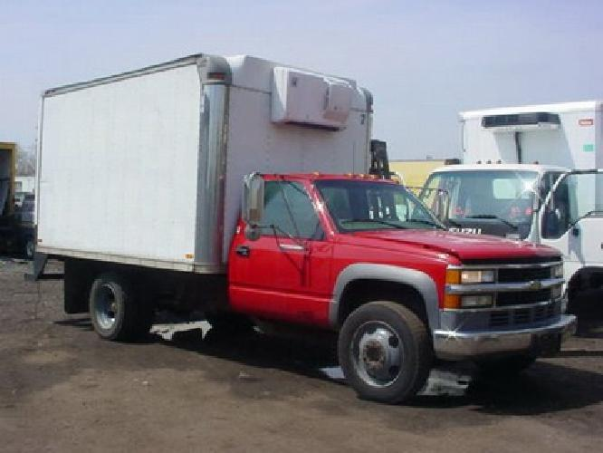 $10,500 1998 Chevy 3500HD 12' Reefer Truck - Thermo King unit - Diesel