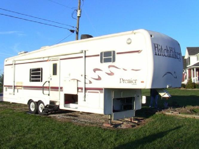 10 900 1997 Hitchhiker Premier 35 Foot 5th Wheel 2 Slides For Sale In Jeffersonville Indiana