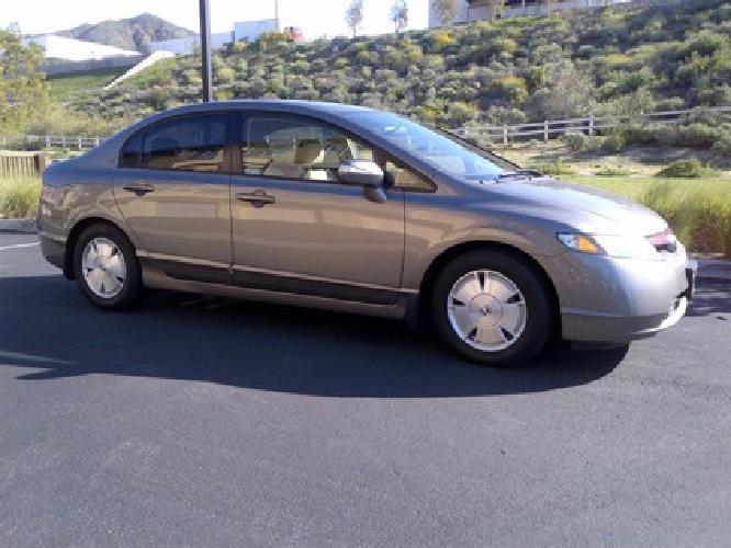 $10,900 Honda Civic Hybird