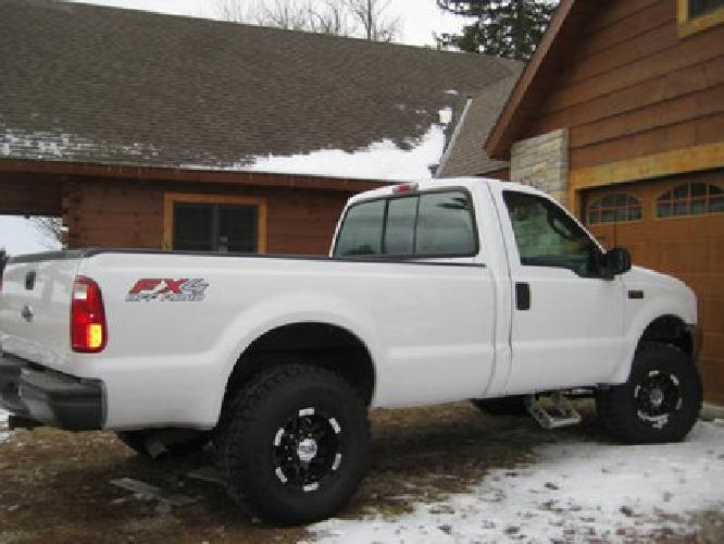 $10,900 Nice 2003 Ford f250 Super Duty 4x4 w/low miles