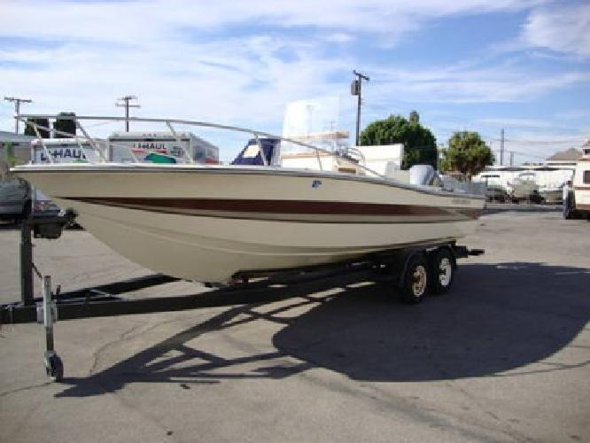 Fishing Boats on 10 995 Used Fishing Boat 2400 Hydra Sports Center Console For Sale