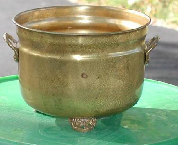 $10 Decorative Brass Pot