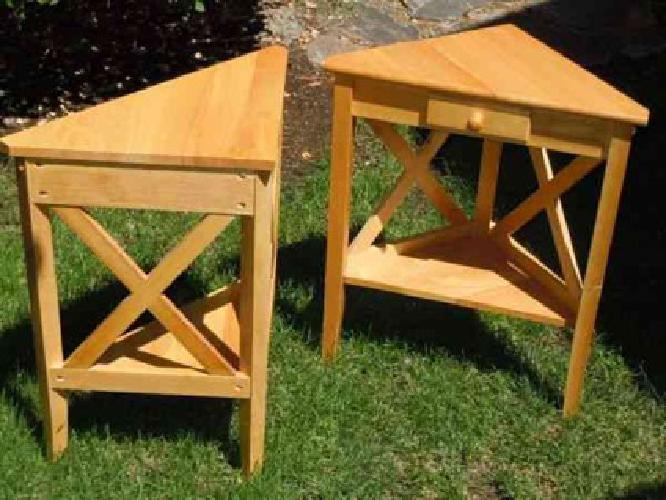 10 Two Small Light Wood End Tables Corner Table Triangle 2ft X 1ft