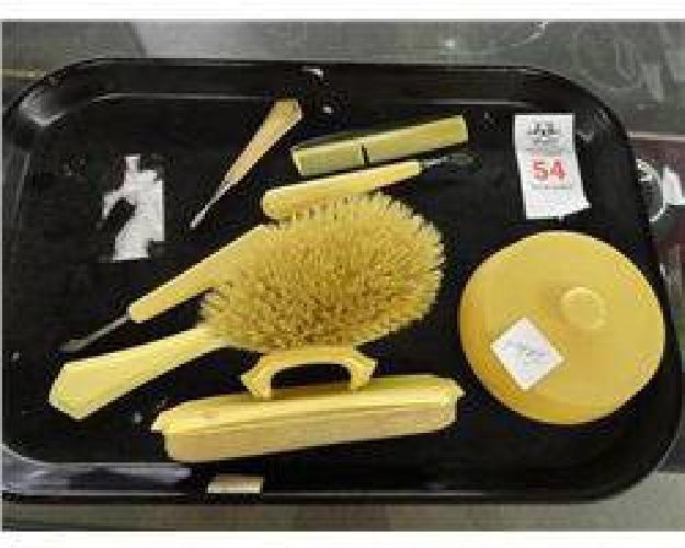$10 Vintage Grooming Set