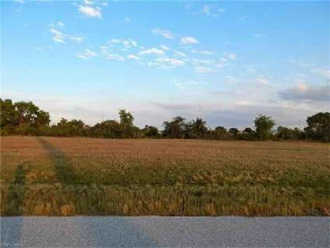 117 NW 24th AVE Cape Coral, Build your dream home on this