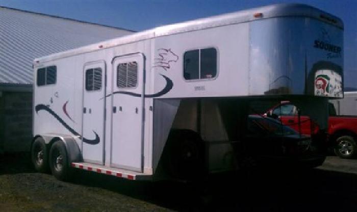 $11,500 2003 sooner Revolution 2 horses