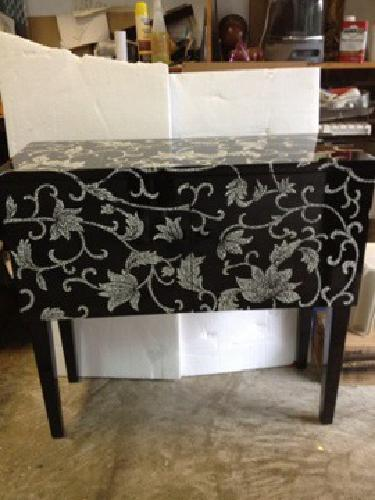 $125 Black and White Console