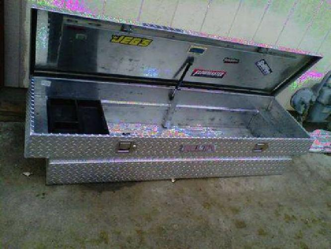 $125 Diamond Plate truck tool Box