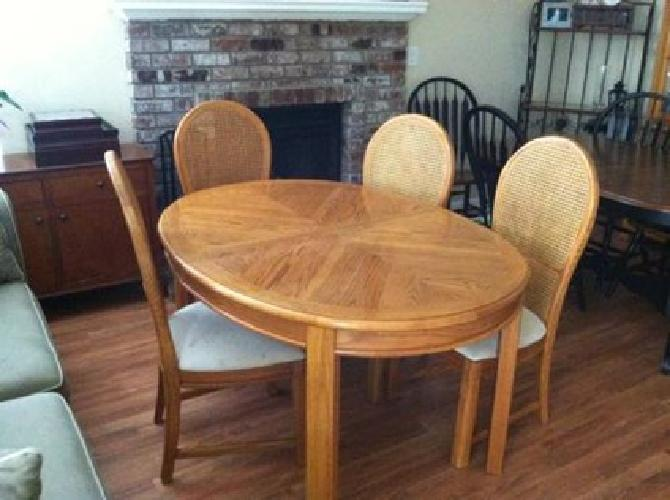 125 Solid Oak Dining Table Chairs Newly Reuphostered For Sale In Roseville California