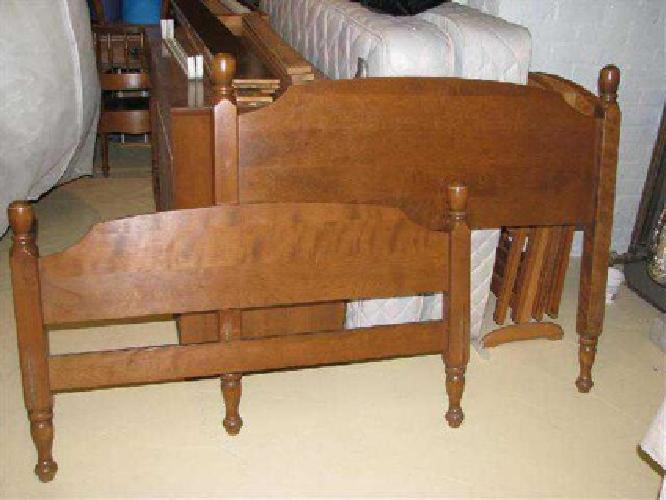 $125 TWIN BED Nightstand and Desk set Quality Ethan Allen