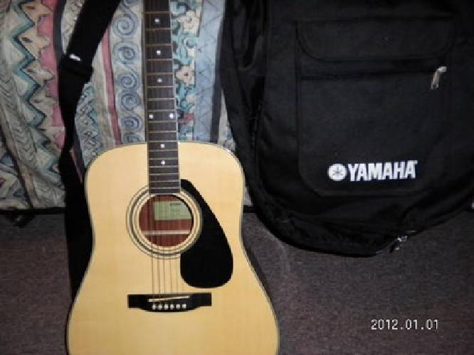 $125 yamaha acustic guitar #FD02- no issues- made well- case and strap incl