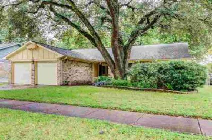 12838 Westella Drive Houston Four BR, Updated home on a quiet