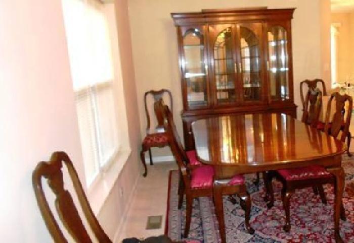 12 000 Harden Clic Cherry Dining Room Set