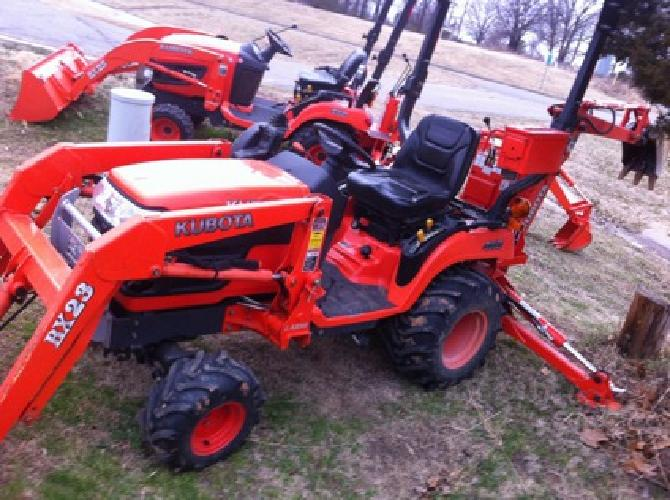 $12,900 OBO 2005 Kubota Bx23mlb Tractor W/Backhoe 4x4 Hst Loader and Only 670 Hrs