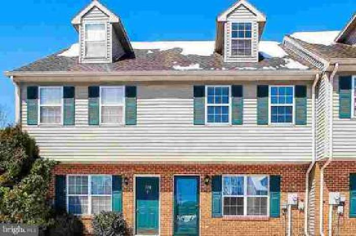 130 Orchard Ln Hanover, Very nice Three BR Townhouse for