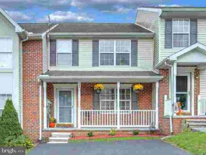 1380 Wanda Dr Hanover Three BR, Showstopper townhouse in Colonial