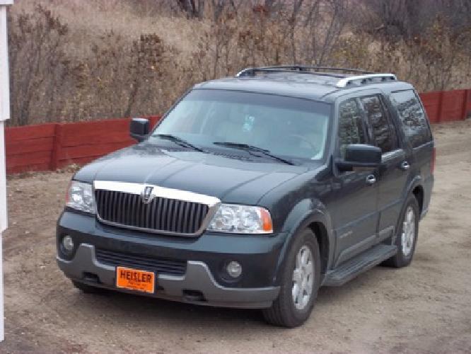 $13,500 OBO 2003 Lincoln Navigator 4x4