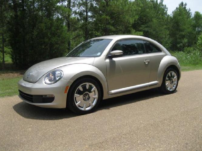 $14,950 OBO 2012 Volkswagen Beetle fender - Only 6K Miles