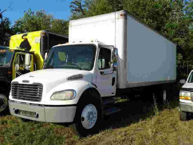$14,995 2007 FREIGHTLINER M2106 Straight - Box Truck