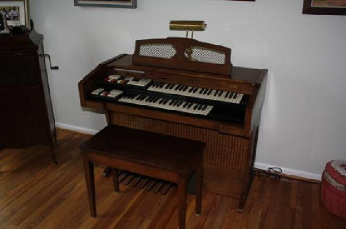 150 Conn Electronic Organ For Sale In Gallatin Tennessee