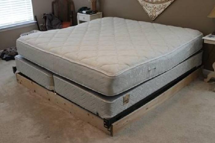 $150 King size Serta Perfect Sleeper mattress set with