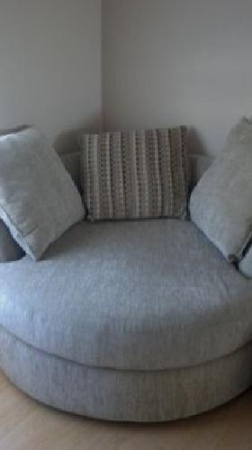 $150 ROUND love seat - chair
