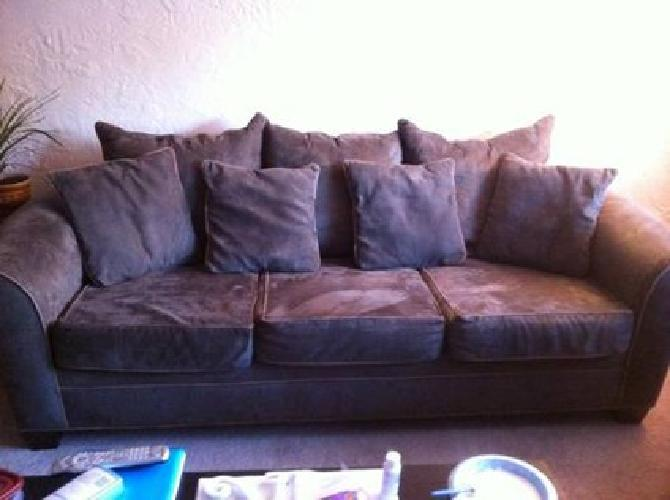 150 Very Nice Olive Green Kroehler Oversized Deep Sofa For Sale In Lexington Kentucky