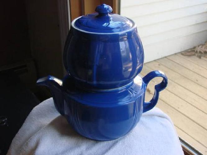$150 Vintage Hall 4pc Coffee/Teapot, 10