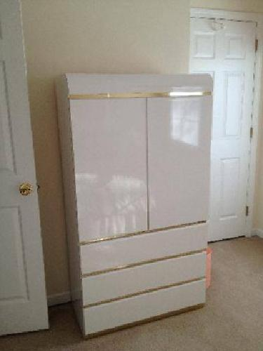 150 White Laminate Bedroom Set With Gold Trim Queen King Headboard For Sale In Monroe