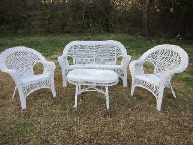 $150 Wicker furniture set
