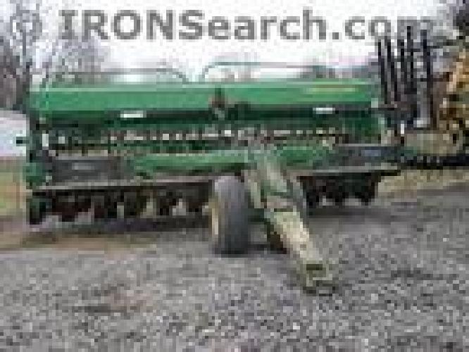 $15,500 John Deere 750 Drill