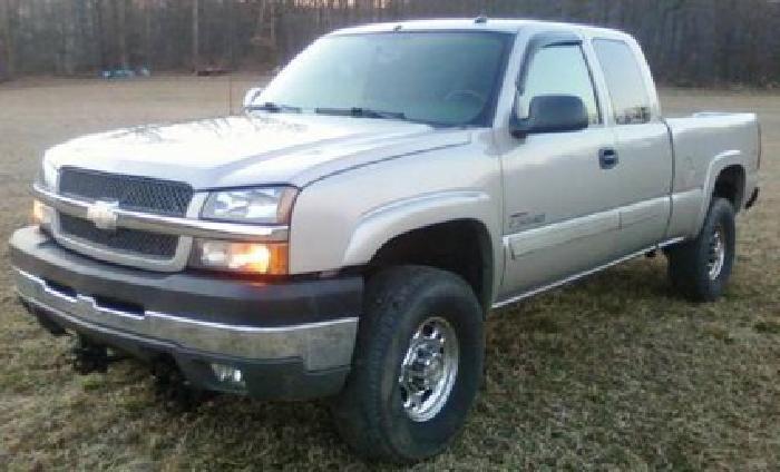 $15,800 2004 Chevrolet 2500hd Ls, 4x4, Ext Cab, 6.6l Duramax Diesel, 142k MI