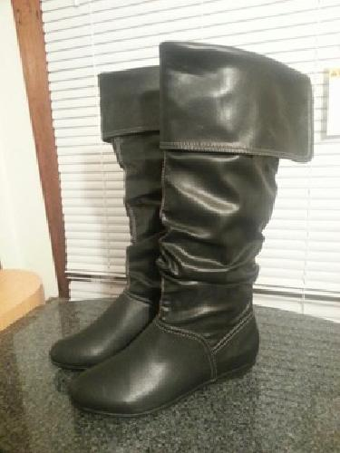 $15 NEW WOMEN'S SHOES size 6-7