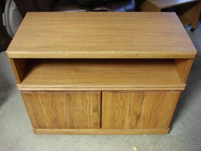 15 Obo Television Stand Dvd Cubby Hole And Storage Underneathr For Sale In Dubuque Iowa