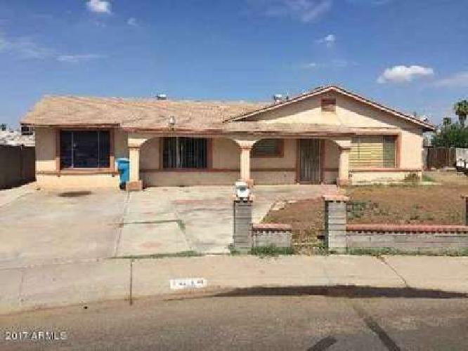 1614 N 53RD Drive Phoenix Three BR, Home in very nice condition