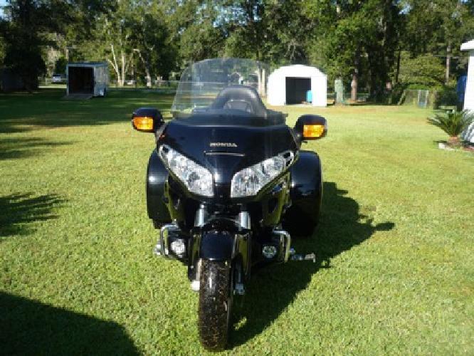 $16,000 honda goldwing 3 wheel trike