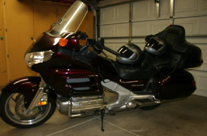 16 300 honda goldwing gl1800 2006 touring motorcycle for for Las vegas honda motorcycle dealers