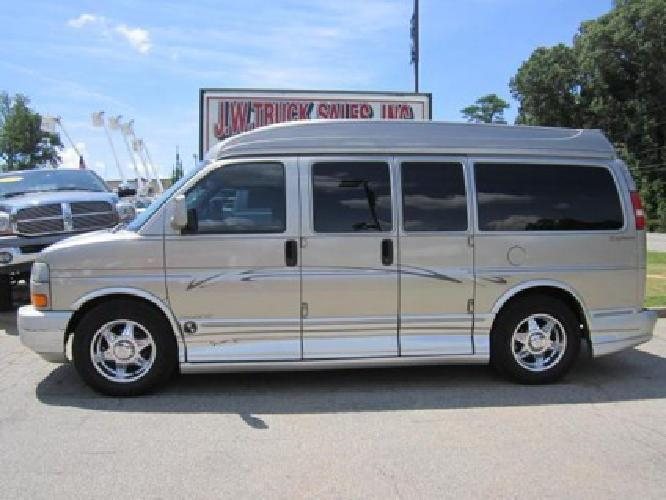 16 881 Obo 2003 Gmc Savana Explorer Conversion Van For