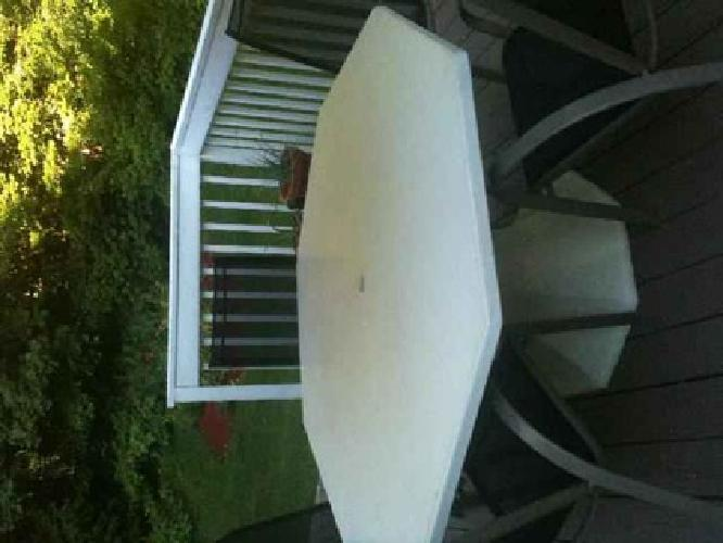 175 Patio Table With 8 Chairs Octagon White Powder