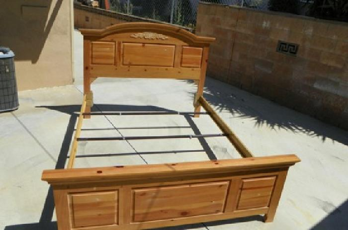175 Queen Bed Frame Broyhill Fontana Collection Solid