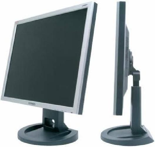 $180 (2) Hyundai ImageQuest L90D+ 19 inch 8ms LCD Monitors !AWESOME!