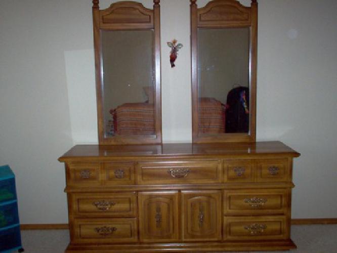 $195 Furniture - Dresser