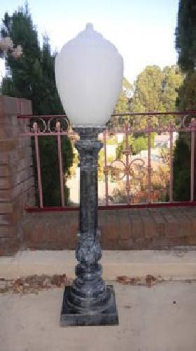 195 vintage street light and lamp globes for sale in los osos. Black Bedroom Furniture Sets. Home Design Ideas